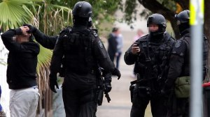 036750-police-raid